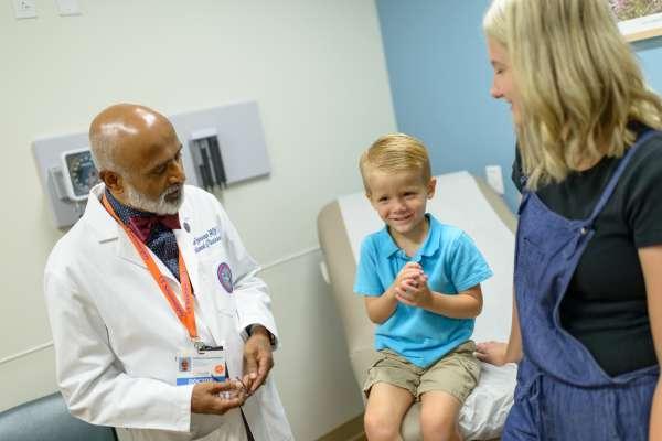 Dr. Guranguran and patients